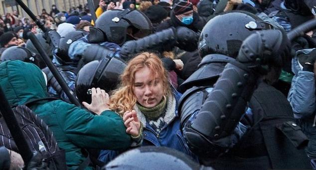 بازداشت هزاران نفر در تظاهرات ضددولتی در روسیه