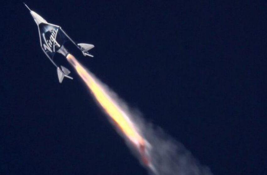 توسط ویرجین گَلِکتیک صورت گرفت؛ سفر رفت و برگشت سِر ریچارد برَنسِن به مرز فضا