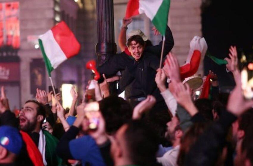 هیجان طرفداران تیم ملی فوتبال ایتالیا در رم و دیگر شهرهای ایتالیا و جهان؛ ایتالیا با برتری مقابل انگلیس قهرمان یورو ۲۰۲۰ شد