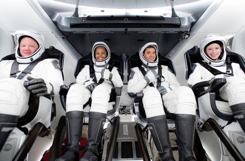 چهار فضانورد آماتور راهی فضا شدند