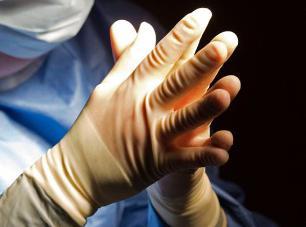 منع دو پزشک انتاریو از دادن معافیت پزشکی